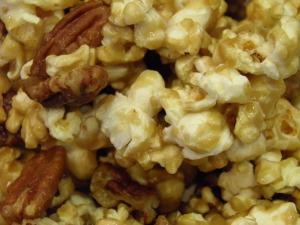 Pecan Caramel Popcorn Mix